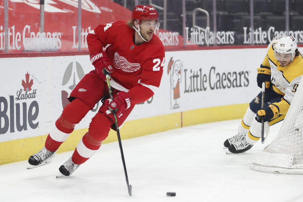 Montréal Canadiens acquire Jon Merrill from Detroit Red Wings for 5th-round pick, Hayden Verbeek