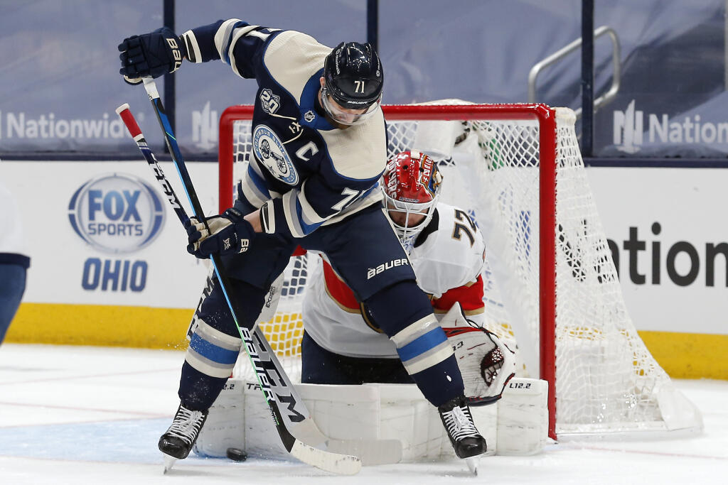 Toronto Maple Leafs acquire forward Nick Foligno from Columbus Blue Jackets
