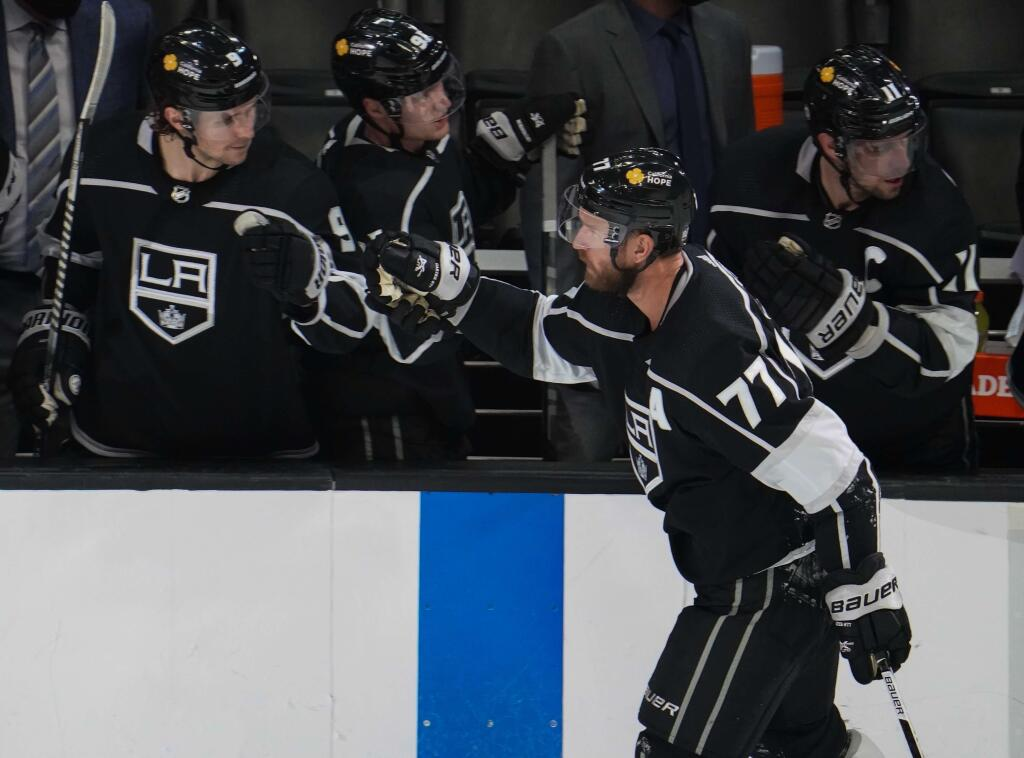 Pittsburgh Penguins acquire Jeff Carter from the Los Angeles Kings for a pair of conditional draft picks