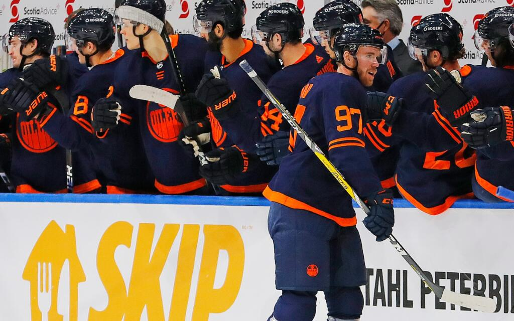 Rinkside's NHL 3 Stars: Connor McDavid's hat trick highlights the night