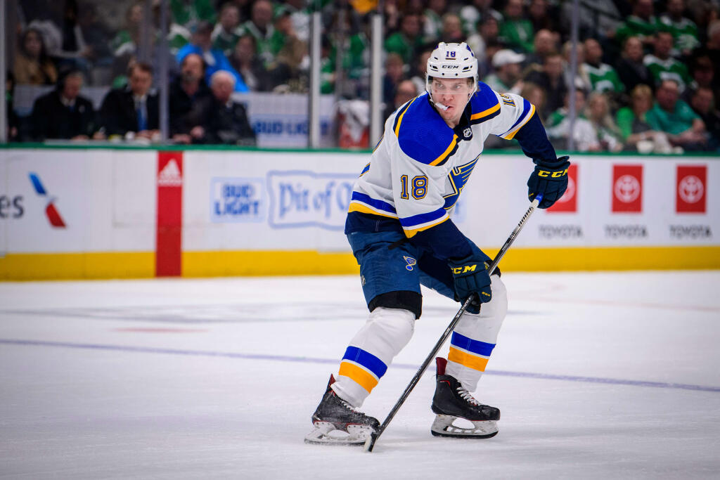 How can the St. Louis Blues re-sign Robert Thomas?