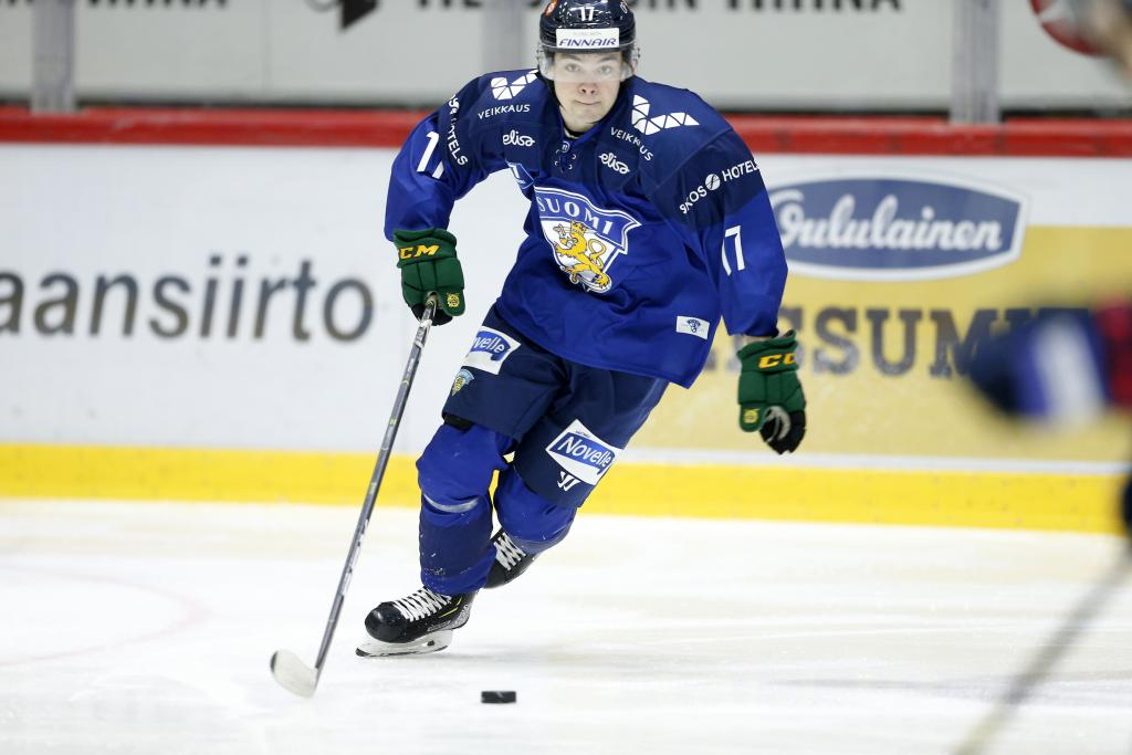 ROBENHYMER: Coyotes Prospect Matias Maccelli's Progress Showing on the big Stage for Finland